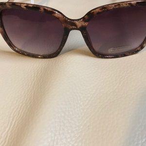 Ann Taylor/ Loft Sunglasses 🕶